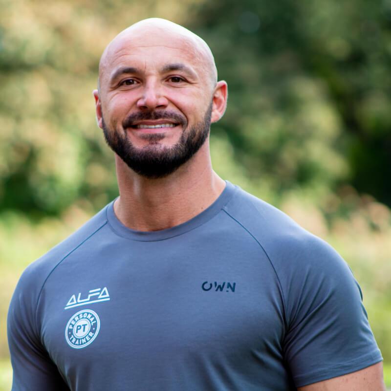 Alfa-Trainers | Personal Training Rotterdam | Dinos Bakirtzis – Jouw personal trainer voor het behalen van resultaat - no bg
